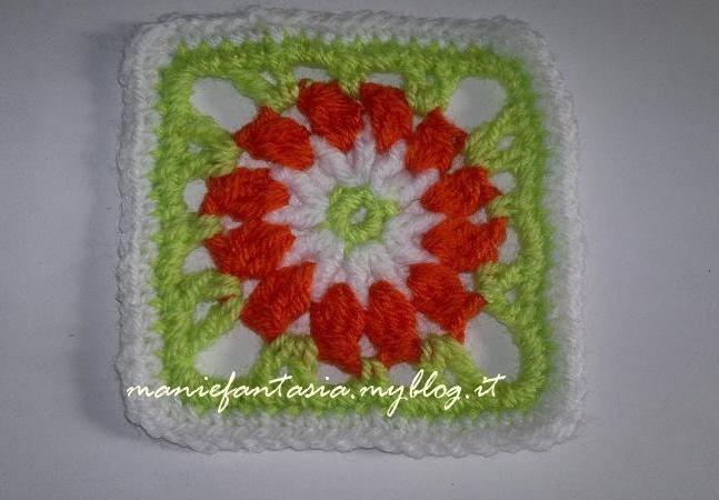 Presine con fiori ricamati arte del ricamo europeo con quadrati