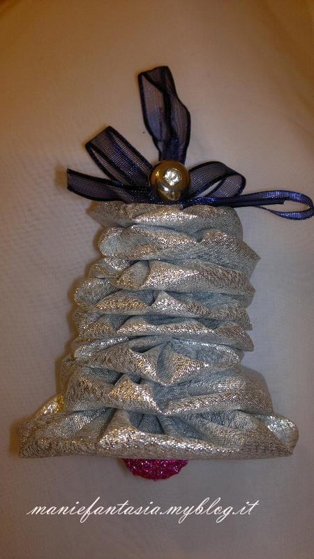 Addobbi natalizi fai da te la campana di stoffa manifantasia - Addobbi natalizi per finestre fai da te ...