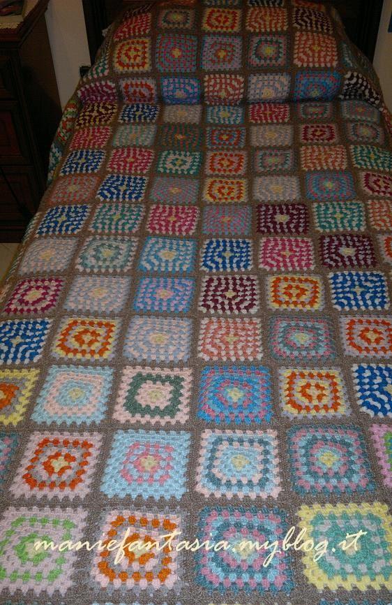 Coperta uncinetto granny manifantasia for Piani di coperta coperta