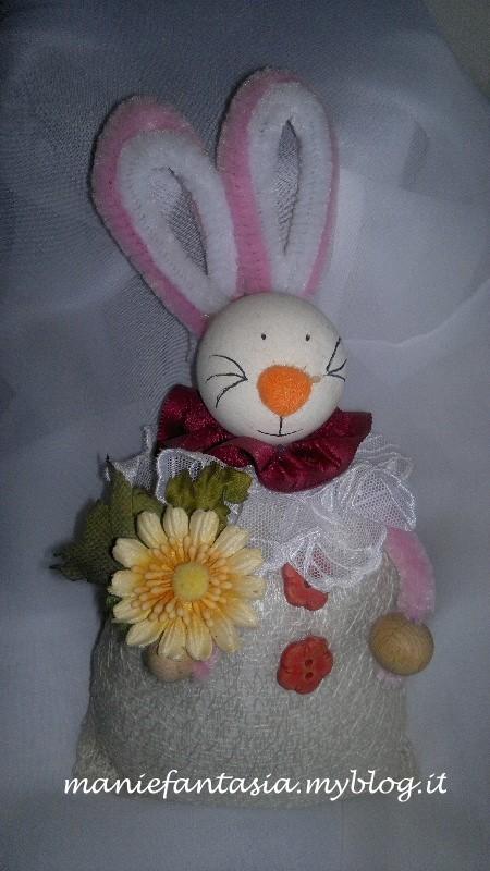 Coniglietto pasquale con sacchettino di stoffa manifantasia - Idee cucito per la casa ...