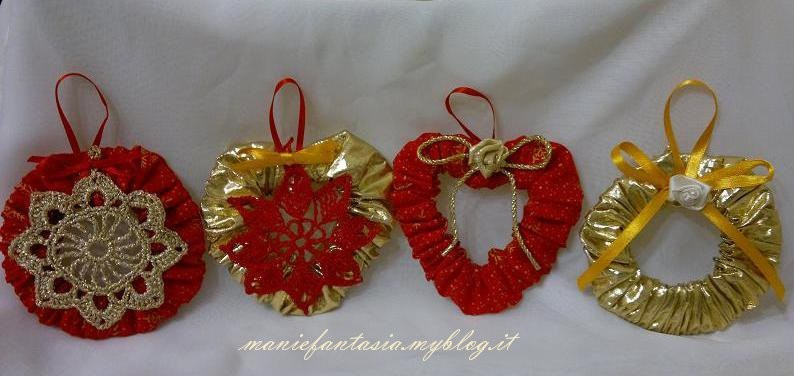 Addobbi natalizi facili cuori e cerchi di stoffa for Addobbi natalizi uncinetto