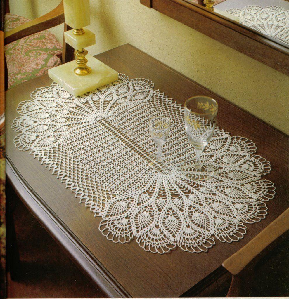 Schemi uncinetto centri ovali a ventagli e fiori - Tris camera da letto ...